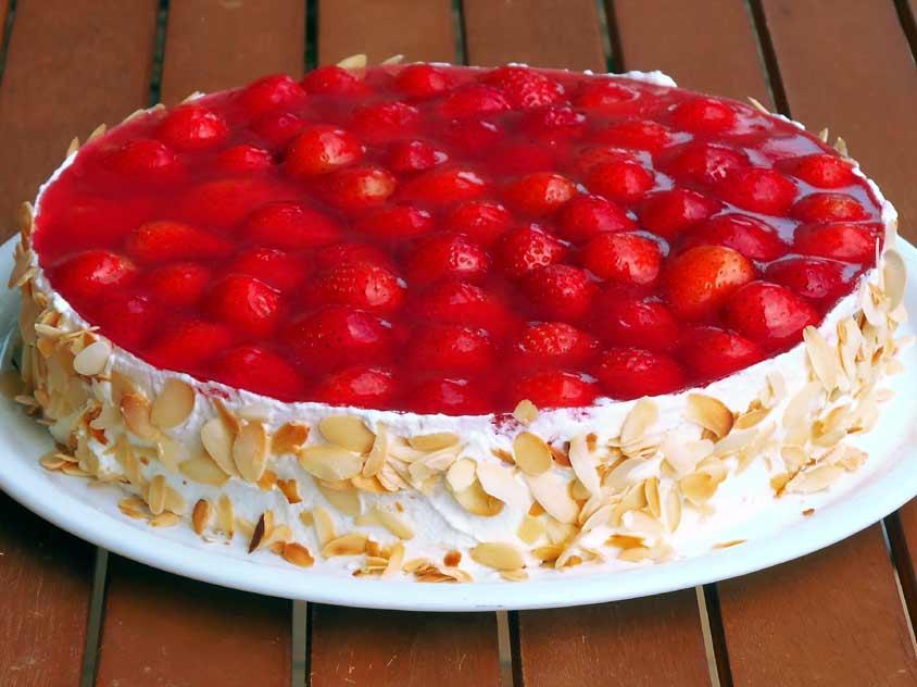 Der Beste Erdbeerkuchen Rezept Mit Vanille Pudding Vom Blech Oder