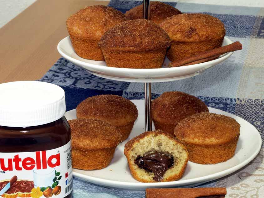 nutella muffins mit weichem nutella kern und knuspriger zimt haube. Black Bedroom Furniture Sets. Home Design Ideas