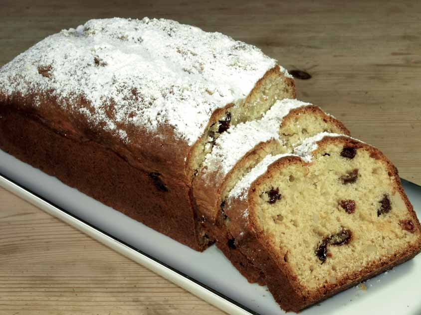 quarkstollen rezept saftiger stollen in der kastenform mit backpulver ohne hefe. Black Bedroom Furniture Sets. Home Design Ideas