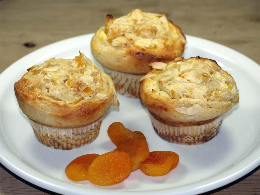 schnecken muffins rezept muffins aus quark l teig schnecken mit aprikosen quark f llung. Black Bedroom Furniture Sets. Home Design Ideas