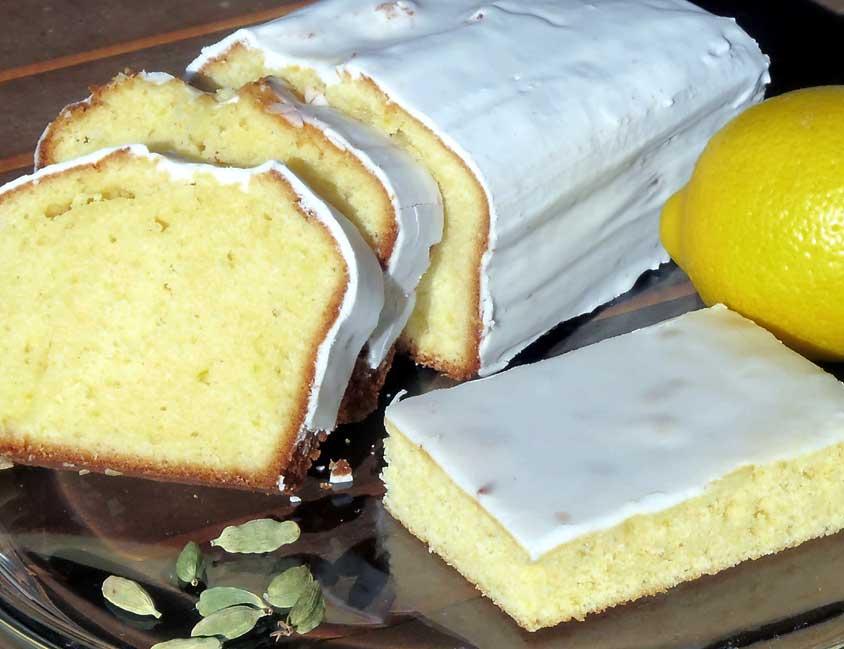 saftiger zitronenkuchen rezept vom blech oder in der kastenform mit zuckerguss und kardamom. Black Bedroom Furniture Sets. Home Design Ideas