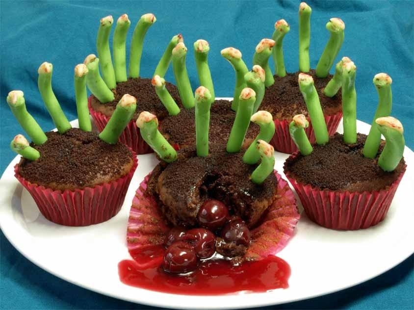 gruselige zombie muffins f r halloween mit zombie finger aus marzipan. Black Bedroom Furniture Sets. Home Design Ideas